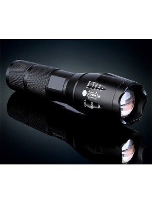 Extreme LED zaklamp 3xAAA schokbestendig 5xZoom